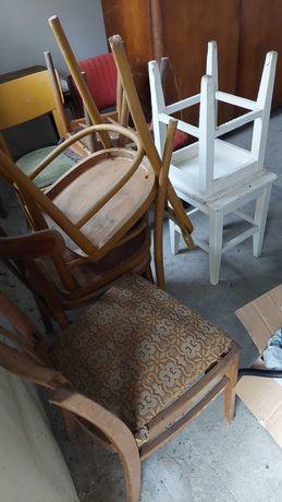 Stare krzesła oddam