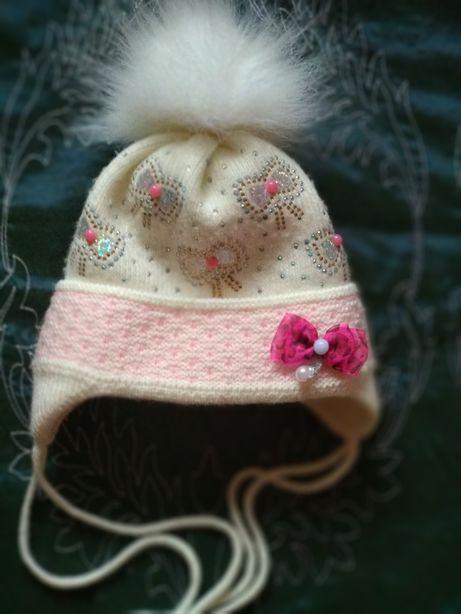 Детская шапка на девочку, внутри мех, на возраст от 4х месяцев до года