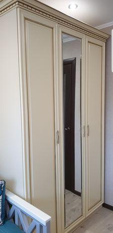 Шкаф новый,очень качественный.