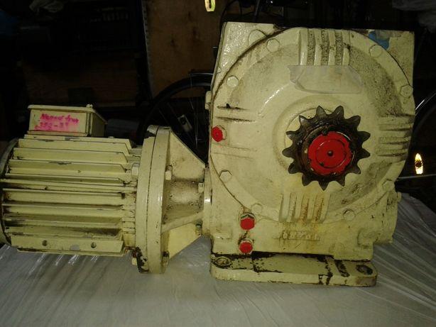Motoreduktor z silnikiem 18 obr/min