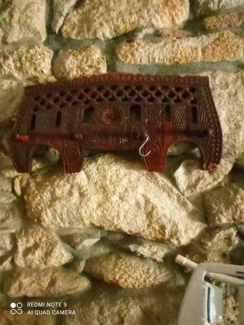 Canga antiga em madeira
