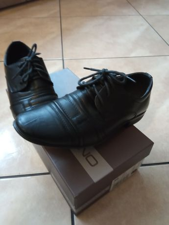 Buty półbuty komunijne chłopięce czarne roz. 36