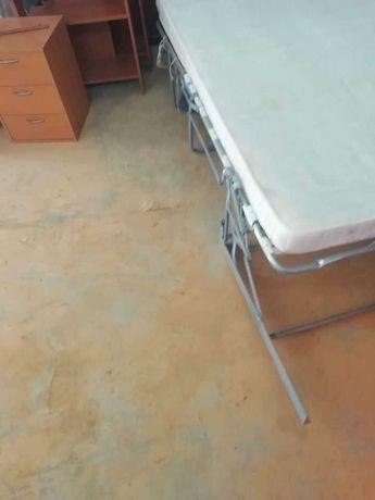 Camas dobráveis c/ colchão incluído