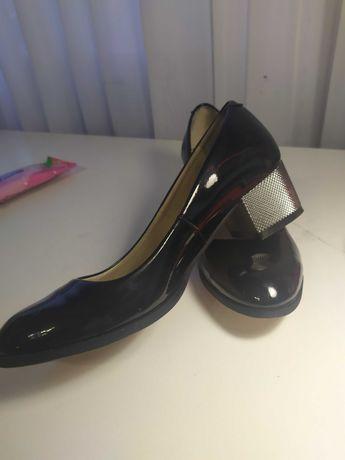 Лакированные туфли для девочки, Ari Andano, размер 37, чёрные.
