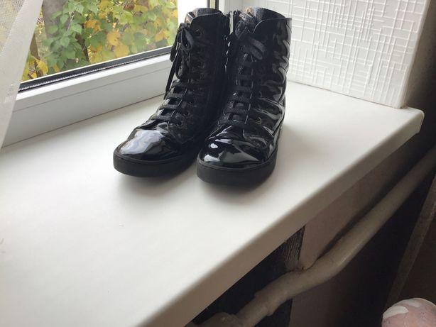 Ботинки чёрные для девочки  36 размер Walkid