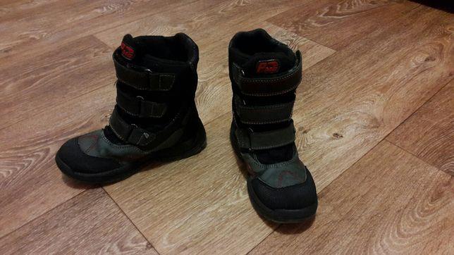 Продам детские зимние ботинки Primigi
