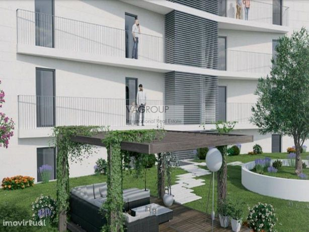 Apartamento T2 em Condomínio Com jardim