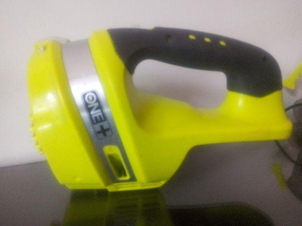 Odkurzacz RYOBI akumulatorowy, ręczny 18V CHV182