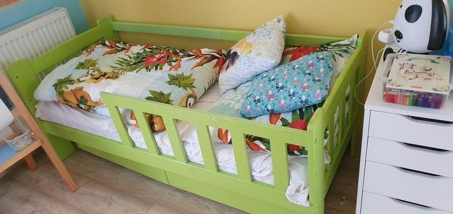 Łóżko dla dziecka wraz z materacem