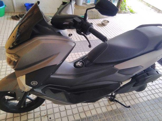 Moto scooter 125 impecável com revisões feitas Yamaha