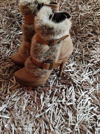 Botas com pêlo Sahoco