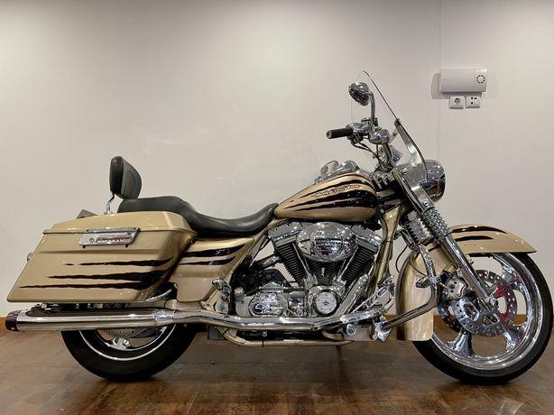 Harley Davidson Roadking Screaming Eagle CVO  100th