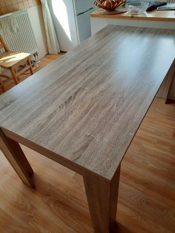 Stół do jadalni lub salonu-rezerwacja