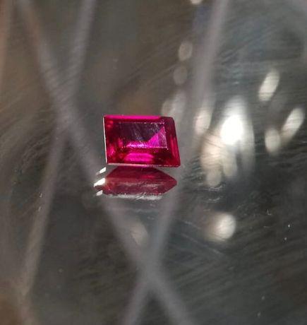 Pedra preciosa- Rubi (2ct)