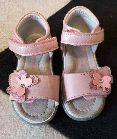 Sandałki   dla dziewczynki R 21