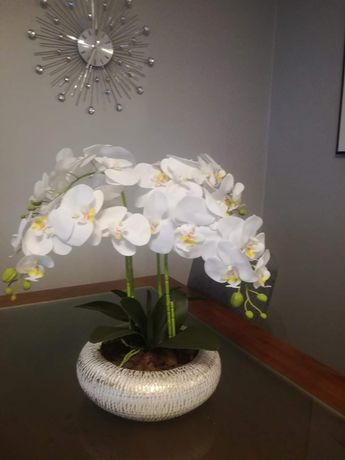 Vaso com 4 hastes de orquídeas artificiais