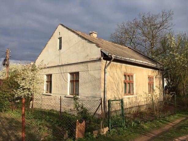 Продається будинок із земельною ділянкою Мостиська
