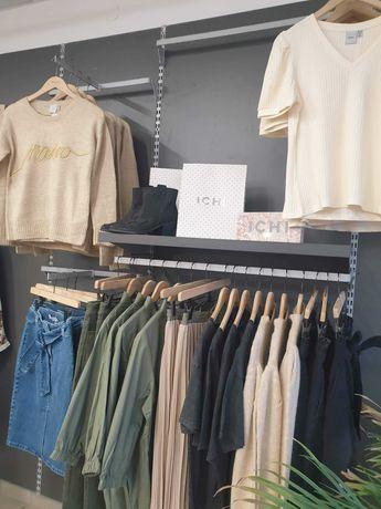 Profesjonalne meble do sklepu odzieżowego