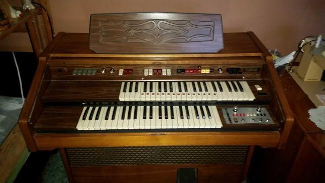 Organy Farfisa Nicole-C