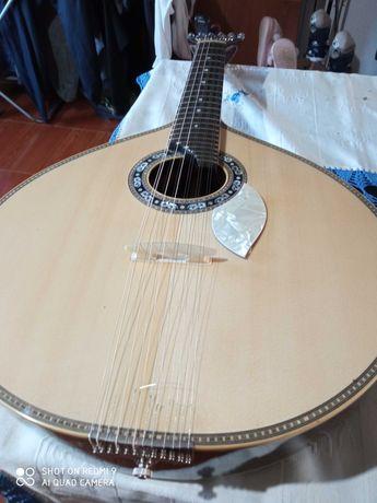 Guitarra portuguesa á melhor oferta, inferior ao preço será ignorado