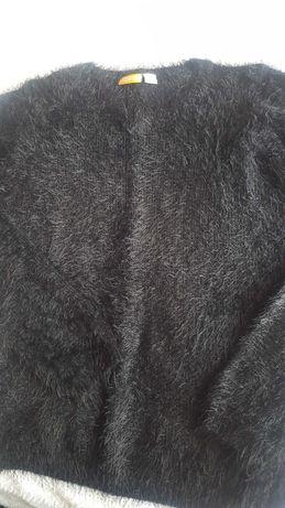Czarny sweterek z LIDLa rozm. S