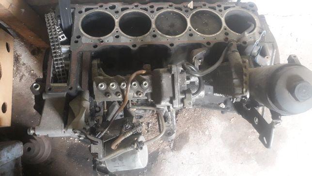 Pompa paliwa Mercedes 2,5D
