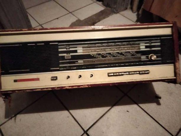 Радиола Кантата 204( без блока питание), с лампами