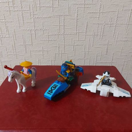 Самолет Джея, самолет Зейна и наездник. Конструктор Нидзяго лего