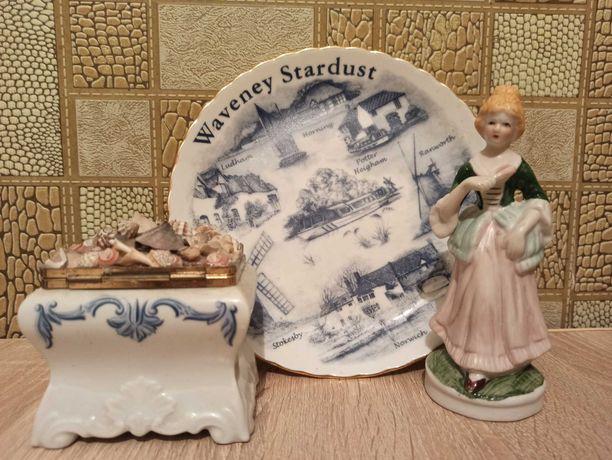 Набором шкатулка,тарелка, девушка с веером