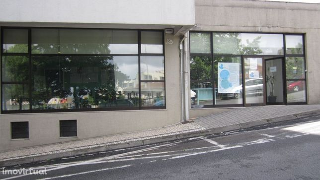 Espaço para clínica ou associação para arrendamento ou para venda