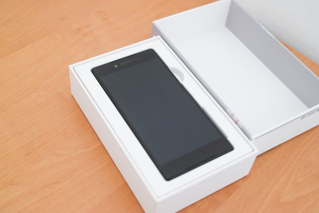 Камера батарея аккумулятор динамик детали6853 на Sony Xperia Z5Premium