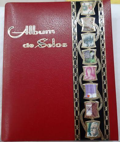 Álbum de sêlos coleccionismo centenário