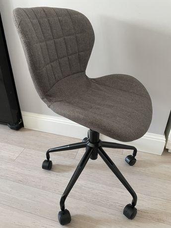 Fotel biurowy obrotowy dla dziecka