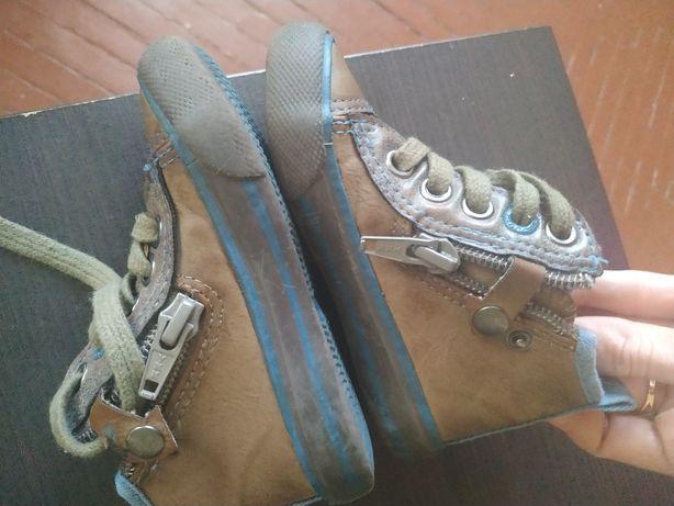 Продам ботиночки весна-осень