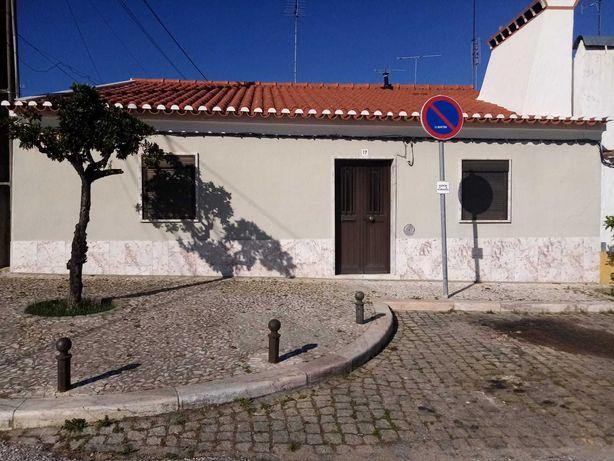 Casa para venda - Bencatel