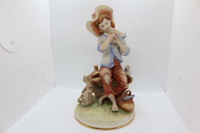 Antiga Estatueta Figura Pescador em Porcelana Europeia