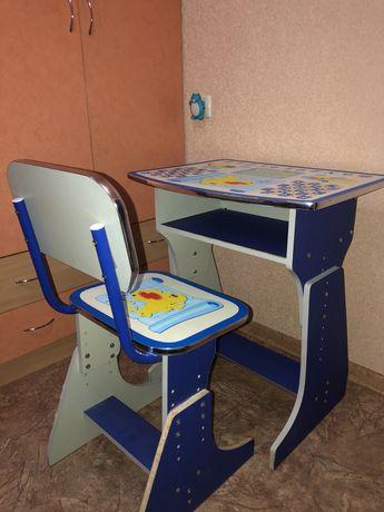 Детский ученический столик-парта в комплекте со стулом для занятий