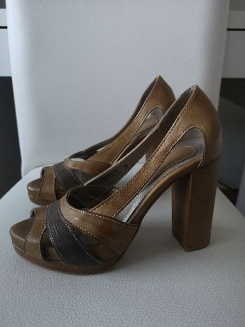 Sapatos Hush Puppies - Tamanho 36