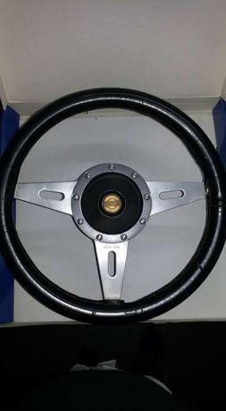 Volante Motolita _Datsun + cubo