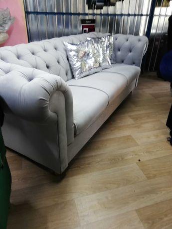 Sofa chesterfield glamour od ręki z funkcja spania