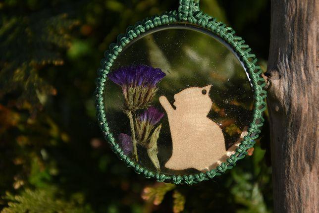 Zawieszka wisior kwiat kot żywica epoksydowa makrama