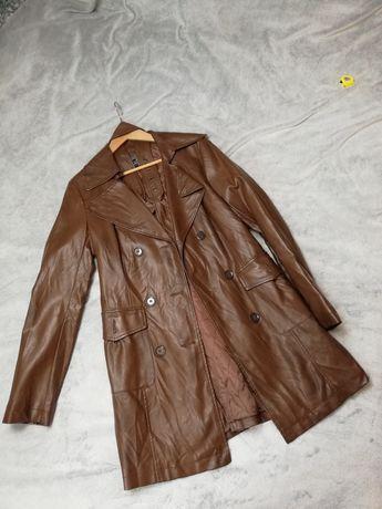 Klasyczny brązowy skórzany trencz płaszcz M