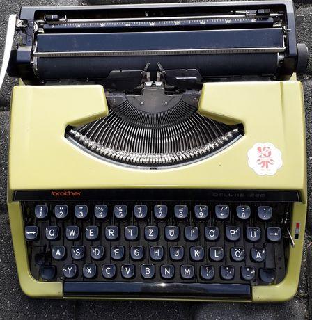 Maszyna do pisania niemiecka.