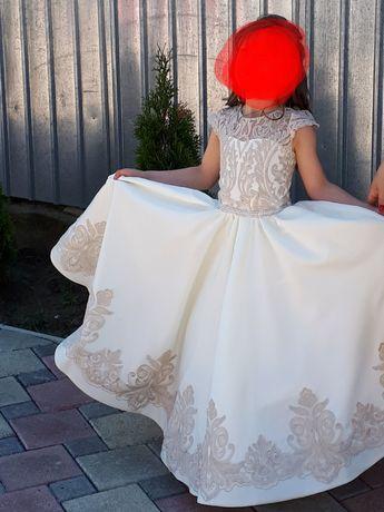 Сукня для дівчинки 6-7 років