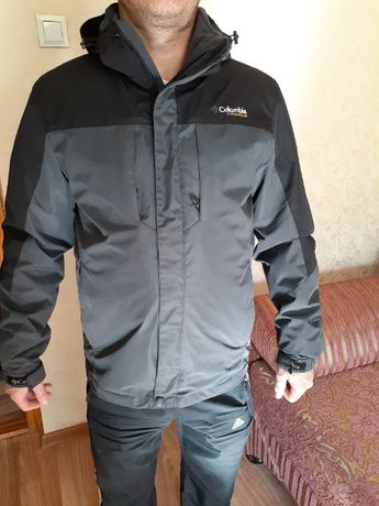 мужскую осенне-весеннюю курточку Colambia в идеальном,новом состоянии