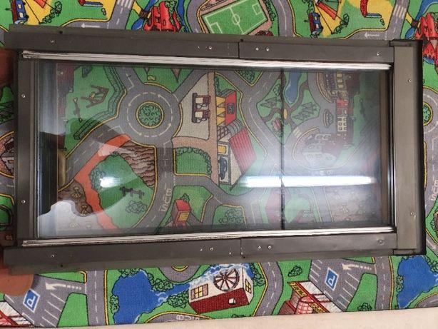 Okno dachowe FAKRO 118 x 66 dolnego otwierania.