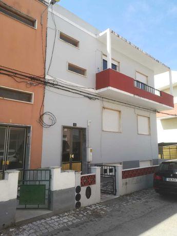 Apartamento Tipo T2 Usado com terraço