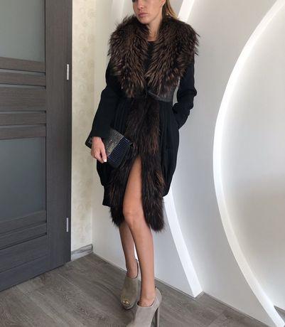 Кашемировое пальто MEISINISI (Италия) с натуральным мехом