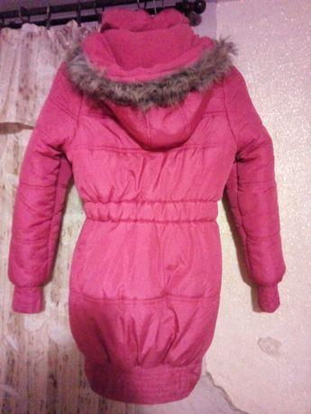 Sprzedam kurtkę zimową puchową rozmiar 164 dziewczęca.