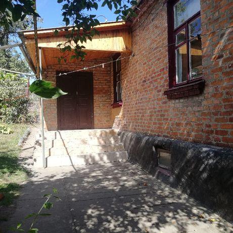 Продается кирпичный дом в центре города Коростеня по улице Горького